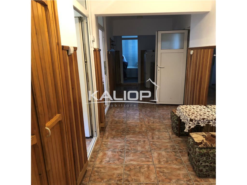 Apartament cu 3 camere decomandat cu garaj in Marasti