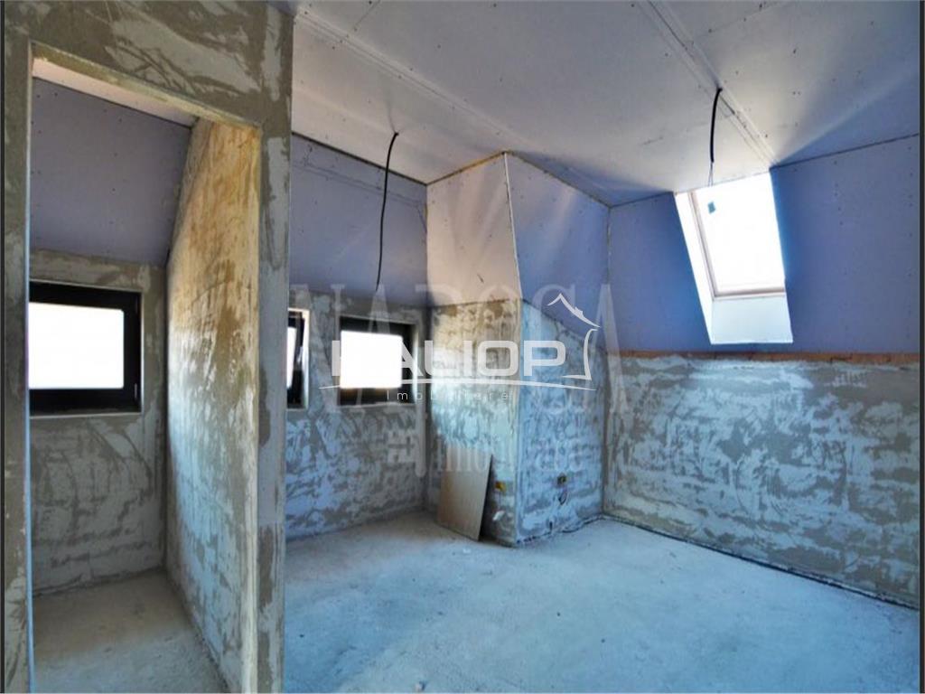 Casa/Duplex cu CF cu suprafata de 120mp in Floresti