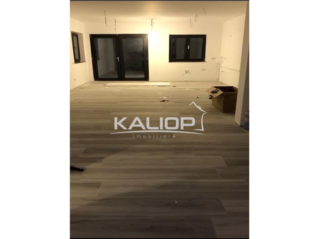 Casa/Duplex cu CF finisat cu suprafata de 120mp in Floresti