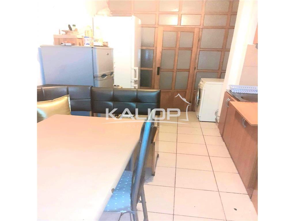 Apartament 4 camere | 2 bai | intermediar | in Manastur zona Calvaria